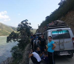 volunteer travel tour