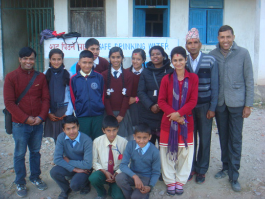 All children and facilitators taking picture after child club meeting