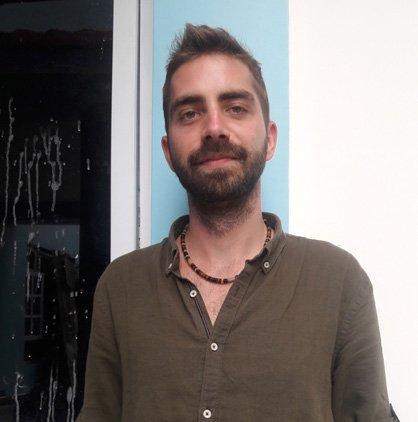 Kristian Kusenda volunteers in Nepal with VIN in teaching program
